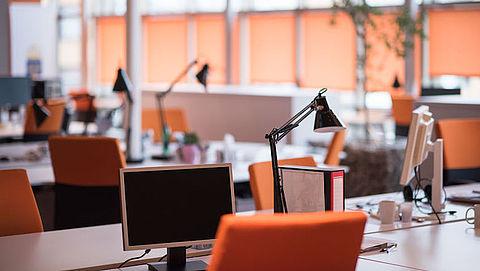 Trend thuiswerk zet door: 'Twee derde kantoorruimtes zal krimpen'