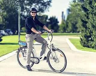 'Valhelm verplicht op elektrische fiets'