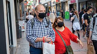 Geen mondkapje op in bepaalde zones Amsterdam? Boete bedraagt 95 euro