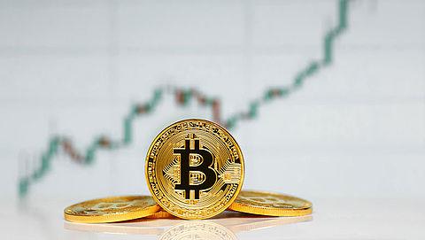 Waarde bitcoin steeg tot boven de 11.000 euro}