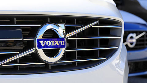 Volvo roept 17.000 auto's in Nederland terug}