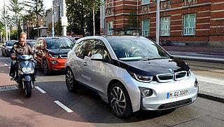 Verkoop volledig elektrische auto's stevig in de lift