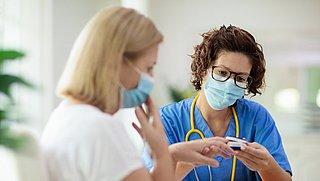 Patiënten met langdurige coronaklachten willen erkenning voor hun situatie