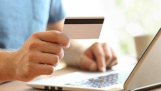 'Grote webwinkels misleiden consumenten met kortingen op te hoge adviesprijzen'