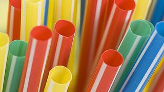 Meerderheid positief over verbod op ballonnen en plastic rietjes