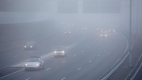 Hoe neem je veilig deel aan het verkeer bij dichte mist?
