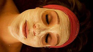 Hoe kan ik zelf een gezichtsmasker van voedingsmiddelen maken?