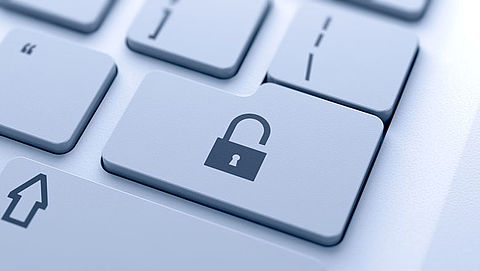 Plan massaal aftappen internetverkeer blijft