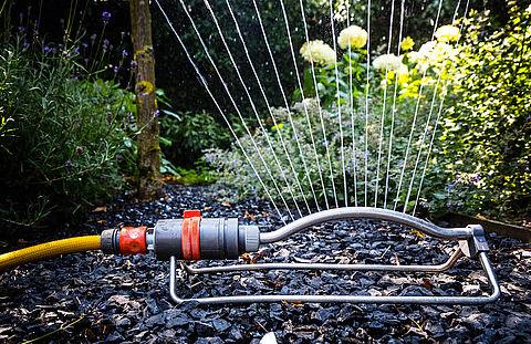 Waterverbruik stijgt: sproei je tuin zo efficiënt mogelijk