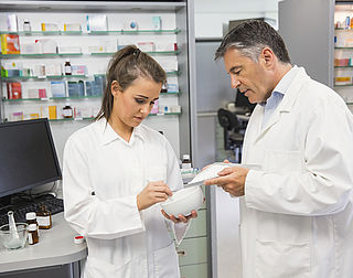 Voorlichting drogist en apotheek ondermaats