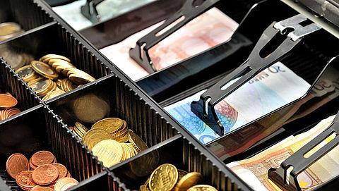 Steeds minder betalingen met contant geld}