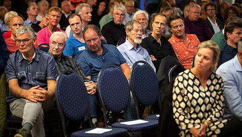 Bewoners Wijk aan Zee bezorgd om gezondheidsrisico's vanwege Tata Steel