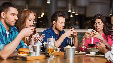 Tieners kritisch op eigen schermgebruik