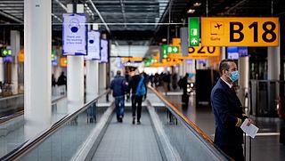 'Kabinet lanceert voucherbank als garantiefonds voor gedupeerde reizigers'