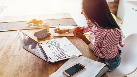 Hoe kun je de werkdag het beste indelen? En andere tips voor productief thuiswerken