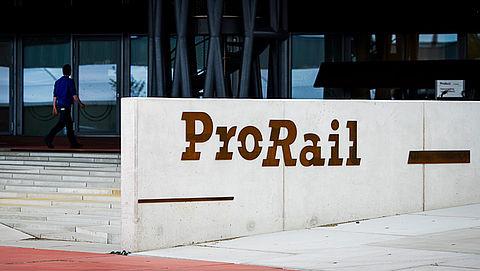 ProRail start proef met 'oversteekhulp' }