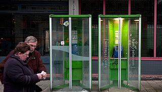 De telefooncel: 'nostalgie' en 'meer privacy', maar ook: 'onhygiënisch'
