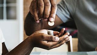 'Kleine spaarder hoeft niet te vrezen voor negatieve rente'