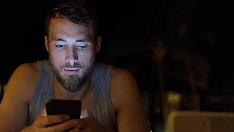 60% jongeren meer dan 3 uur per dag op smartphone