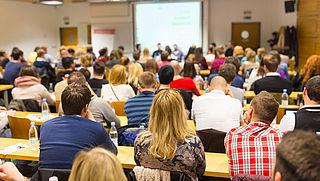 'Studenten minder snel uit huis door leenstelsel'