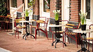 Regels terrassen Amsterdam tijdelijk verruimd