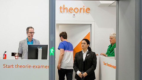 CBR voegt nieuw onderdeel toe aan theorie-examen