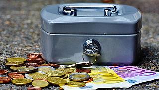 Nationaal Ouderenfonds zegt sponsordeal met Seniorenvoordeelpas op
