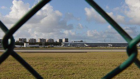Ministerie Buitenlandse Zaken platgebeld door gestrande reizigers