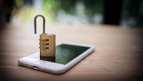 Consumentenbond luidt noodklok om datahandel door apps als Tinder en Grindr