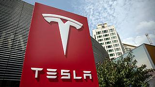 Tesla vertraagt introductie zelfrijdende auto's