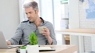 Mag je werkgever je reiskostenvergoeding inhouden nu je niet hoeft te reizen?