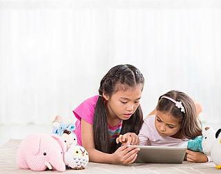 'Houd online spelletjes spelen in de gaten'