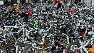 Gebrek aan fietsenstallingen op stations