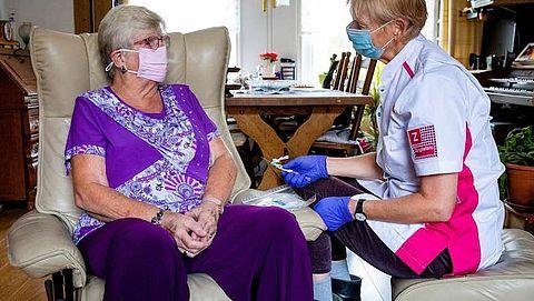 Mevrouw de Leth (72) krijgt chemotherapie aan huis