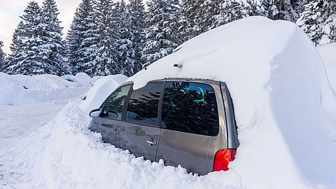 ANWB waarschuwt wintersporters voor overlast door hevige sneeuwval}