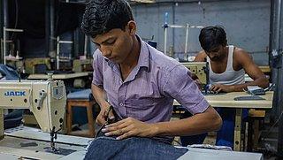 'Kledingmakers H&M, Nike en Primark wachten nog steeds op deel van salaris'