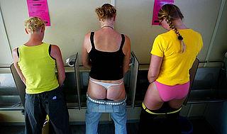 97% van de vrouwen én mannen wil meer openbare toiletten voor vrouwen