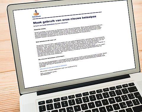 Rabobank waarschuwt voor nieuwe vorm phishing}