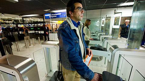 Gezichtsscans van niet-EU-reizigers worden 3 jaar lang opgeslagen in database