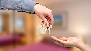 Een sleutelbedrijf inschakelen voor de verhuur van je woning: een aanrader of niet?