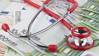 'Zorgpremie gaat met 5 euro omhoog volgend jaar'