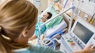 Hoogleraar wil naast intensive care ook 'ic-light'