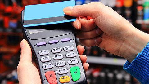 Contactloos pinnen populairder dan cash en reguliere pinbetalingen