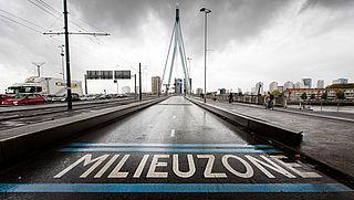 Rotterdam laat oude benzineauto's weer toe