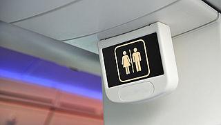 Boeing de lucht in met zelfreinigend toilet