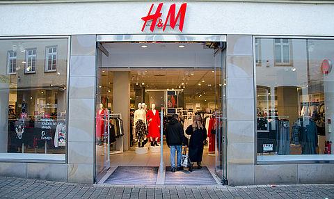 H&M gaat met aangepaste maatregelen open