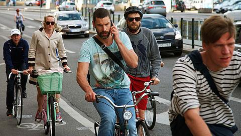 Schultz onderzoekt verbod bellen op fiets}