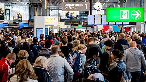 Storing op Schiphol na stroomuitval kan ook maandag gevolgen hebben}