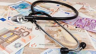 Zorgkosten bovenop premie: 711 euro per persoon