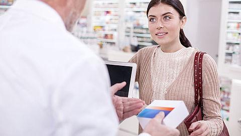 Ondanks lagere online prijs naar de winkel voor service en winkelbehoud